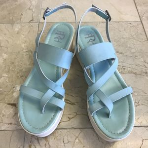 FRH Plataform Strapp Sandals Sz 7.5 Teal and White